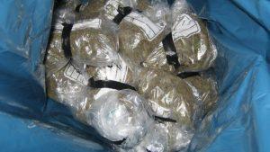Sprzedawca warzyw zatrzymany z 5kg cannabisu., Dutch Seeds